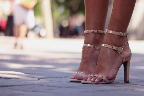 3v9li1-l-610x610-shoes-nudesandals-cutehighheels-sexy-trendy
